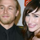 Charlie Hunnam et Morgana McNelis tout sur leur idylle