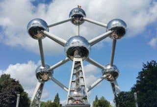 Vue sur l'atonium de Bruxelles en Belgique