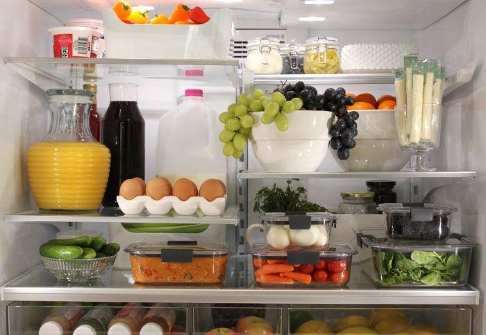 ranger aliment dans le frigo
